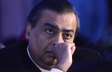 Befitting Reply From Mukesh Ambani To A B'Ful Girl Searching A Guy With 2 CR Annual Package