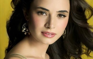 Mia-Maestro-Argentine-actress-1