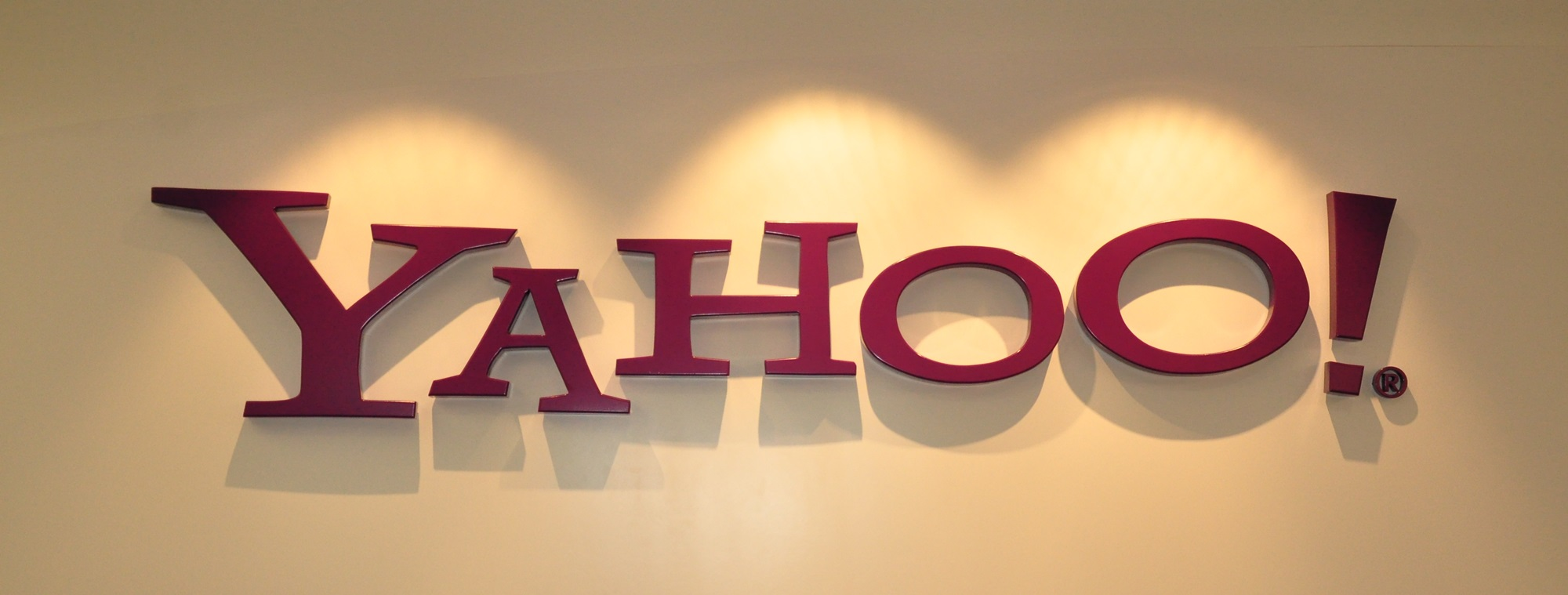 Yahoo Messenger Is Back With Hot Features