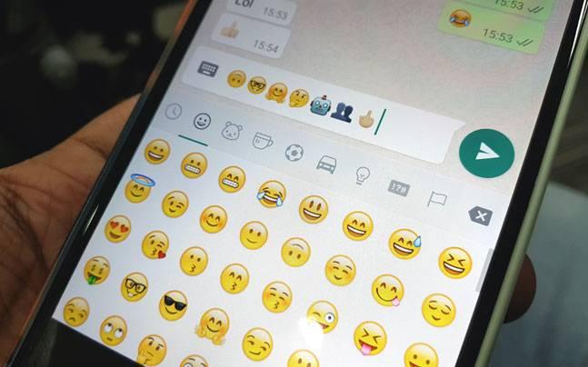 WhatsApp Latest Update Brings Middle Finger Emoji